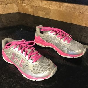 Girls Under Armor Sneakers in good used condition